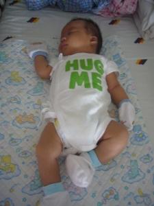 040902 Hug Me 2