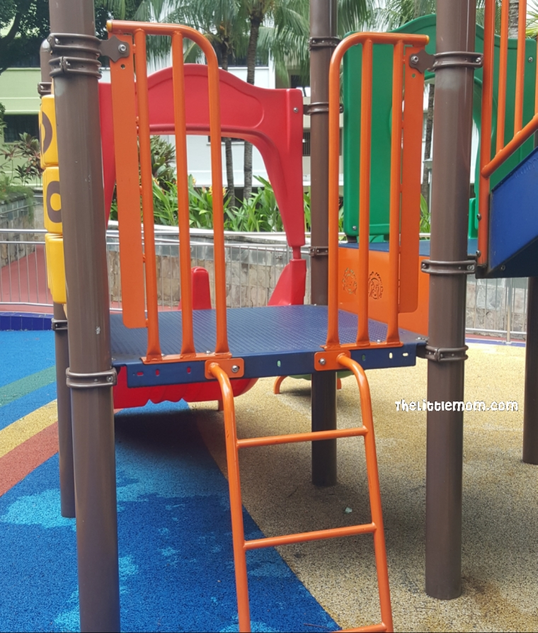 A small ladder for younger kids. The littlest (1.5yo) need help to get up on this.